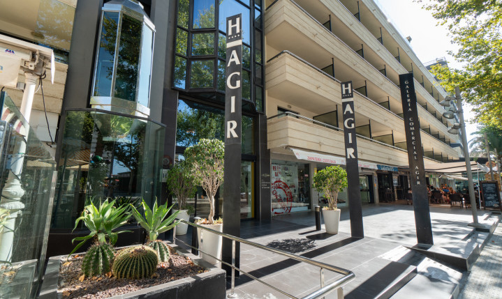 Hotel Agir Facade