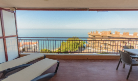 Special Offer Frontal Sea View Apartment