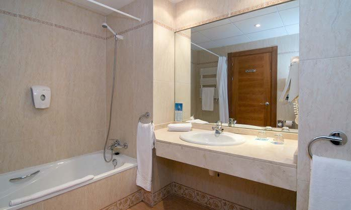 Bathroom Double Premium Room