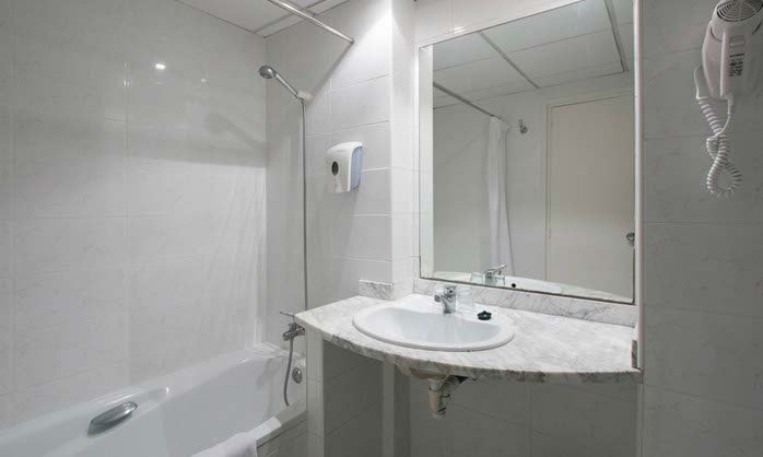 Bathroom double hotel calella